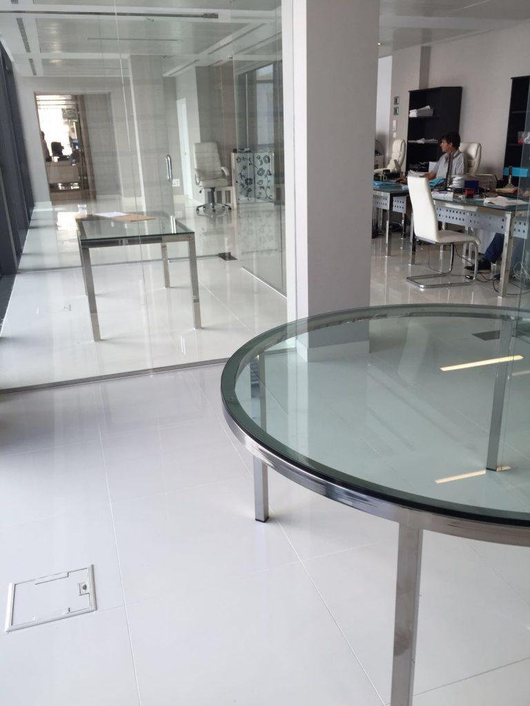 Estructura de acero para mesa de vidrio.