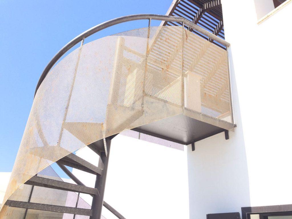 Montaje de un escalera de caracol.